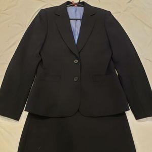 Austin Reed navy suit. Sz 10